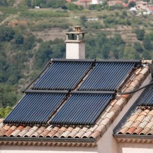 Quatre panneaux solaires